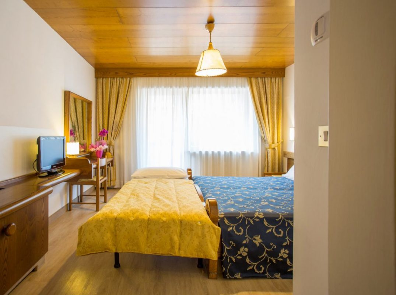 camera classica 3 letti